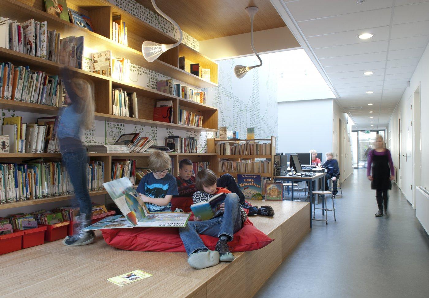 gang met bibliotheek