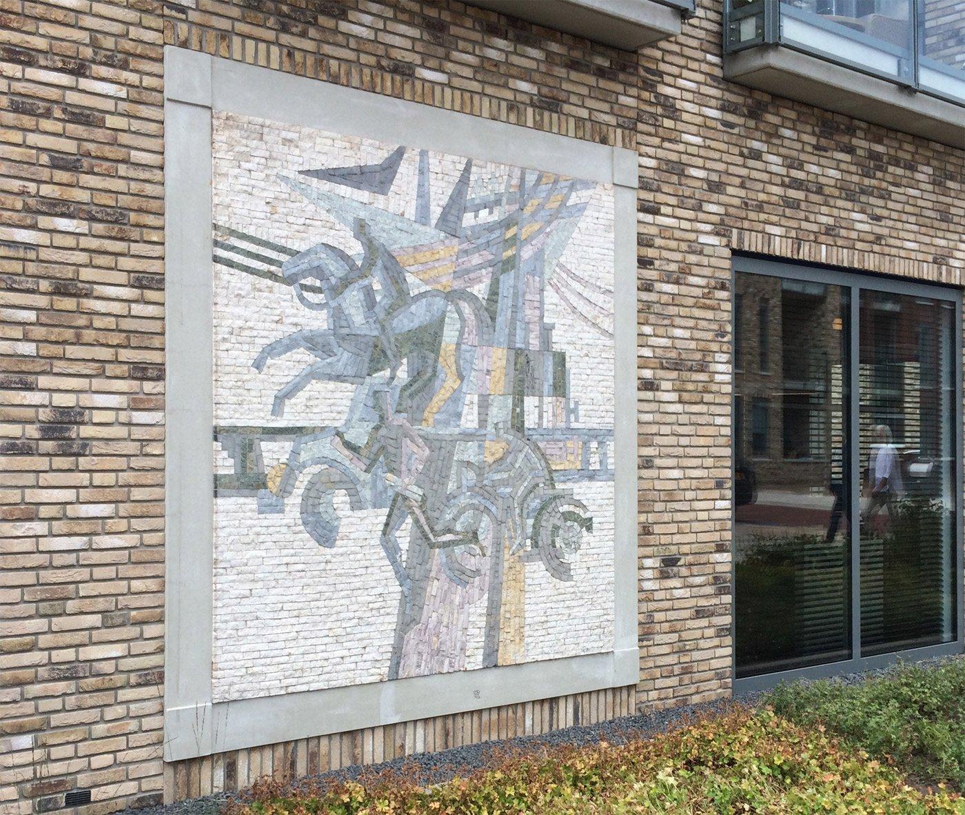 Mozaiek aan gevel