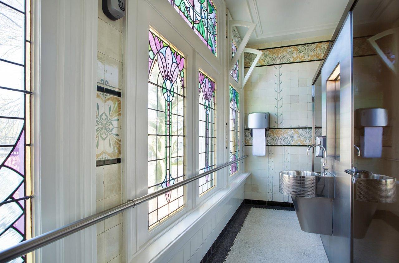 Tegels Badkamer Enschede : Originele tegels in saxion villa serphos iaa architecten