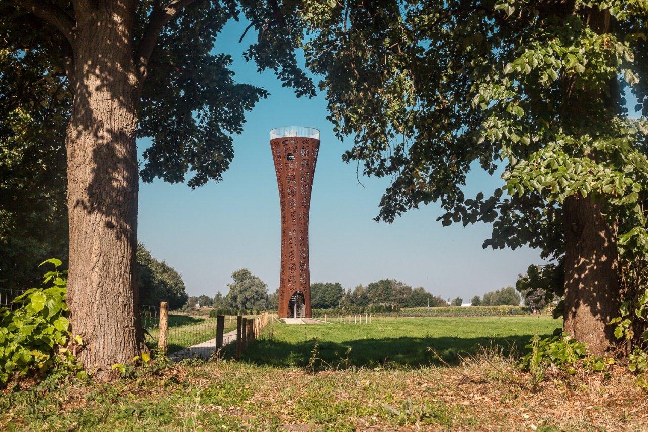 Corten steel landmark along the a1 at hengelo iaa architecten